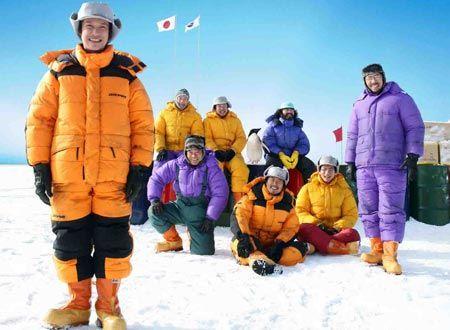世界一寒い南極の極寒でも大丈夫!プロご用達の最強の防寒具一式はこれだ生活用品アウトドア